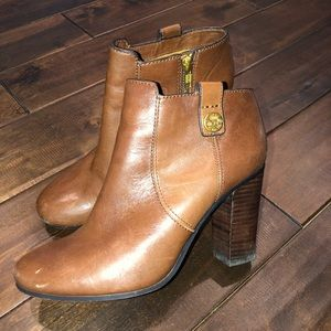 Women's size 8.5 coach leather ankle boots